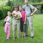 Labradoodle pup Bauke and family